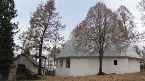crkva-posvecena-sv-apostolima-petru-i-pavlu-u-selancudobra